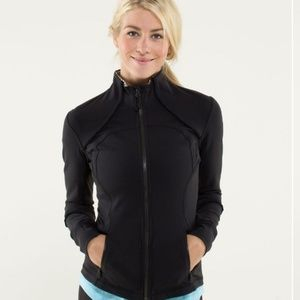 Lululemon forme jacket ruffled up, black size 8